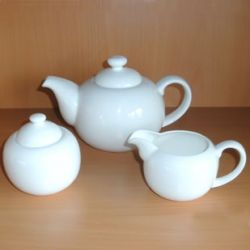 p2) Bone China Teeservice, 3tlg. Set