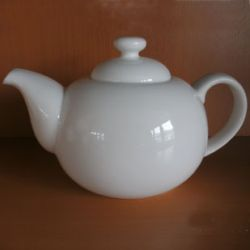 r) Bone China Teekanne
